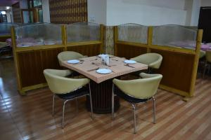 Hotel Singh Axis, Bed and Breakfasts  Udhampur - big - 27