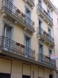 Hostal Casanova, Guest houses  Madrid - big - 14