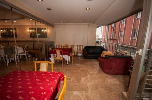 Saros Hotel, Hotely  Halic - big - 23