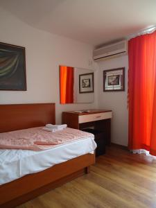 Apartments and Rooms Villa Gaga 2, Bed & Breakfast  Budua - big - 4