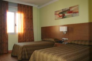 Hotel 4C Puerta Europa, Hotely  Madrid - big - 8