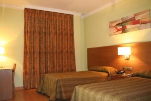 Hotel 4C Puerta Europa, Hotely  Madrid - big - 9