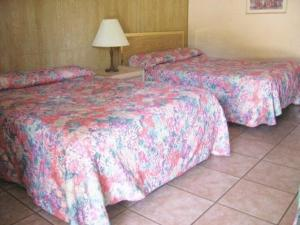 Standard Double Room with Two Double Beds (3 people)