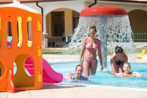 Sunrise All Suites Resort- All Inclusive, Апарт-отели  Обзор - big - 60