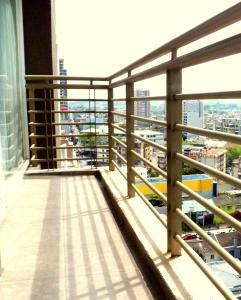 One-Bedroom Apartment with Balcony