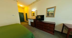 Country Inn & Suites by Radisson, St. Cloud East, MN, Hotels  Saint Cloud - big - 9