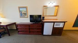 Country Inn & Suites by Radisson, St. Cloud East, MN, Hotels  Saint Cloud - big - 6