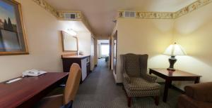 Country Inn & Suites by Radisson, St. Cloud East, MN, Hotels  Saint Cloud - big - 3