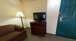 Country Inn & Suites by Radisson, St. Cloud East, MN, Hotels  Saint Cloud - big - 15