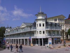 Strandpalais Luise von Preussen, Hotels  Ostseebad Zinnowitz - big - 1