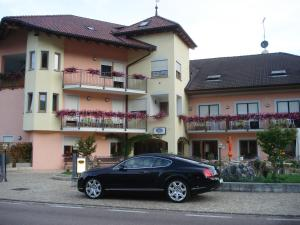 Hotel Goldenhof, Hotels  Ora/Auer - big - 10