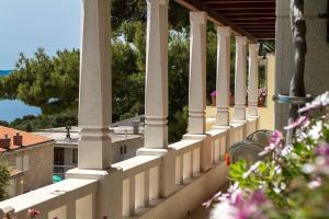 Villa King Apartments, Ferienwohnungen  Brela - big - 53