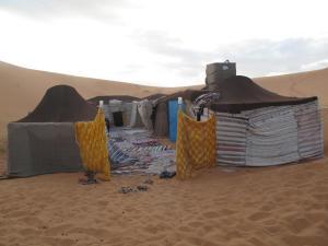 Marhaba Camp, Camel & Sandboarding, Luxury tents  Merzouga - big - 93