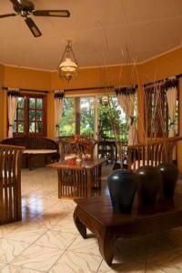 Villas des Alizes, Holiday homes  Grand'Anse Praslin - big - 4