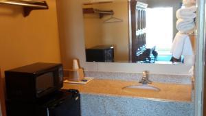 Carefree Inn Flatonia, Motels  Flatonia - big - 3