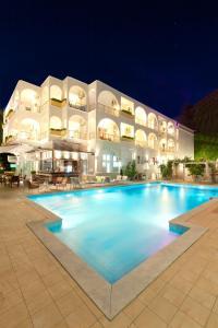 Kronos Hotel, Szállodák  Platamónasz - big - 1
