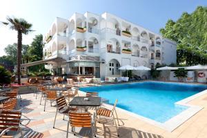 Kronos Hotel, Szállodák  Platamónasz - big - 48