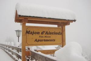 Majon d'Aisciuda, Апартаменты  Виго-ди-Фасса - big - 60
