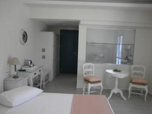 Alkyoni Beach Hotel, Hotely  Naxos Chora - big - 64