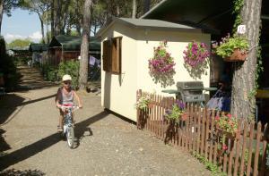 Camping Free Beach, Кемпинги  Марина-ди-Биббона - big - 129