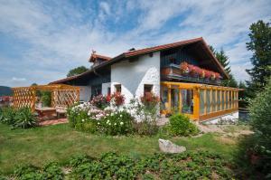 Ferienwohnung beim Goldbachl-Peppi, Apartments  Hohenau - big - 1
