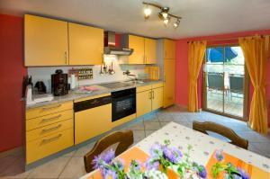 Ferienwohnung beim Goldbachl-Peppi, Apartments  Hohenau - big - 12