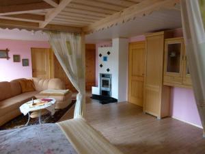 Ferienwohnung beim Goldbachl-Peppi, Apartments  Hohenau - big - 9