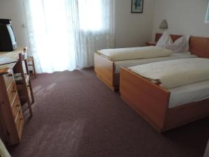 Hotel Christin, Hotel  Ora - big - 3