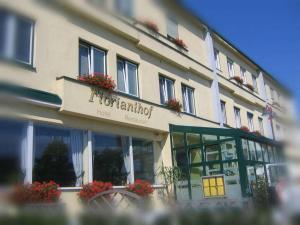 Hotel Restaurant Florianihof, Szállodák  Nagymarton - big - 21