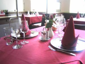 Hotel Restaurant Florianihof, Szállodák  Nagymarton - big - 16