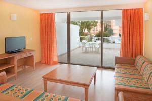 Iberostar Ciudad Blanca Alcudia Apartamentos, Aparthotely  Port d'Alcúdia - big - 6