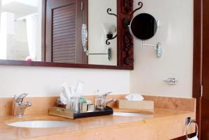 Disount Hotel Selection » Mexico » Playa del Carmen » Sandos Caracol ...