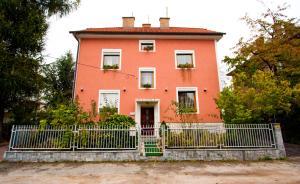 Guest House Pikapolonca