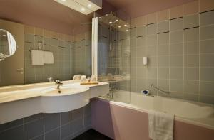 Qualys-Hotel Laon Sud du Golf de l'Ailette