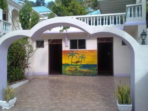 Treasure's Comfort Inn, Affittacamere  Claremont - big - 52