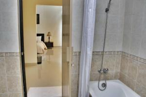 Parai Puri Tani Hotel - Martapura, Отели  Martapura - big - 7
