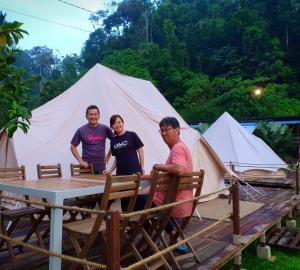 Canopy Villa Glamping Park Rentals Kampong Sum Sum