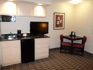 Ramada by Wyndham Canton/Hall of Fame, Hotels  Canton - big - 17