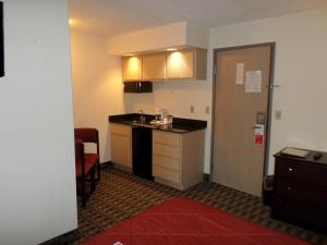 Ramada by Wyndham Canton/Hall of Fame, Hotels  Canton - big - 10