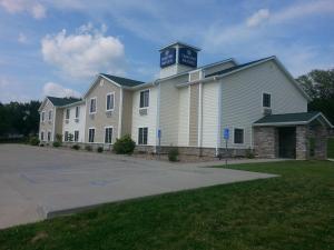 Cobblestone Inn & Suites - Bloomfield