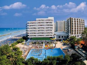 Serena Majestic Hotel - AbcAlberghi.com