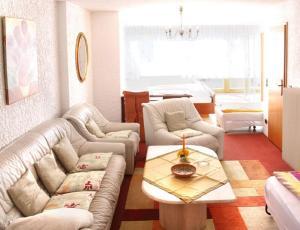 Landhotel Schönblick, Hotels  Bad Herrenalb - big - 2