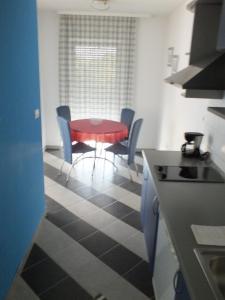 Residence Lavanda, Apartmány  Umag - big - 15