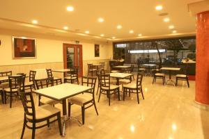 Leflet Valme, Hotels  Dos Hermanas - big - 10
