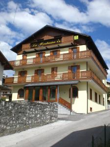 Hotel La Nuova Montanina - AbcAlberghi.com