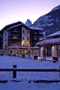 Hotel Mirabeau, Hotely  Zermatt - big - 37