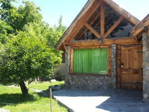Hostel y Cabañas Pehuenia