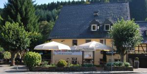 Waldhotel im Wiesengrund, Szállodák  Hürtgenwald - big - 1