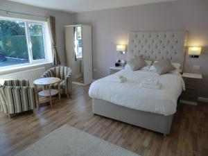 Coombe Dale Accommodation, Bed & Breakfast  Lulsgate Bottom - big - 6