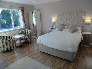 Coombe Dale Accommodation, Bed & Breakfast  Lulsgate Bottom - big - 15